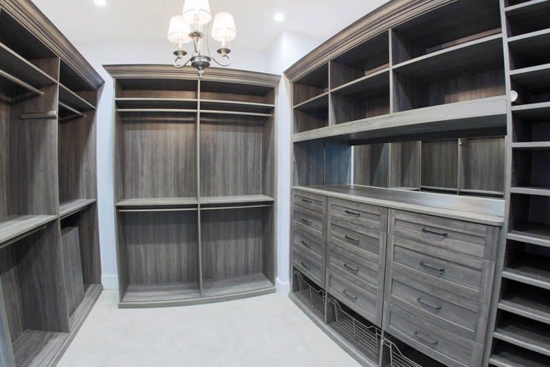 Walk in Closet Storage