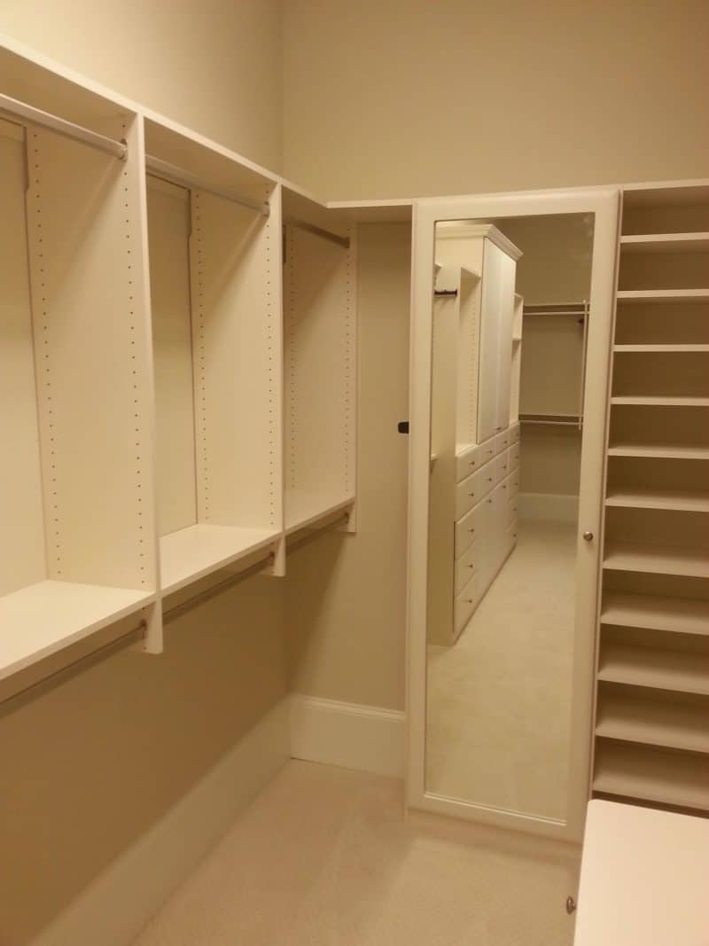 Walk in Closet - Linen